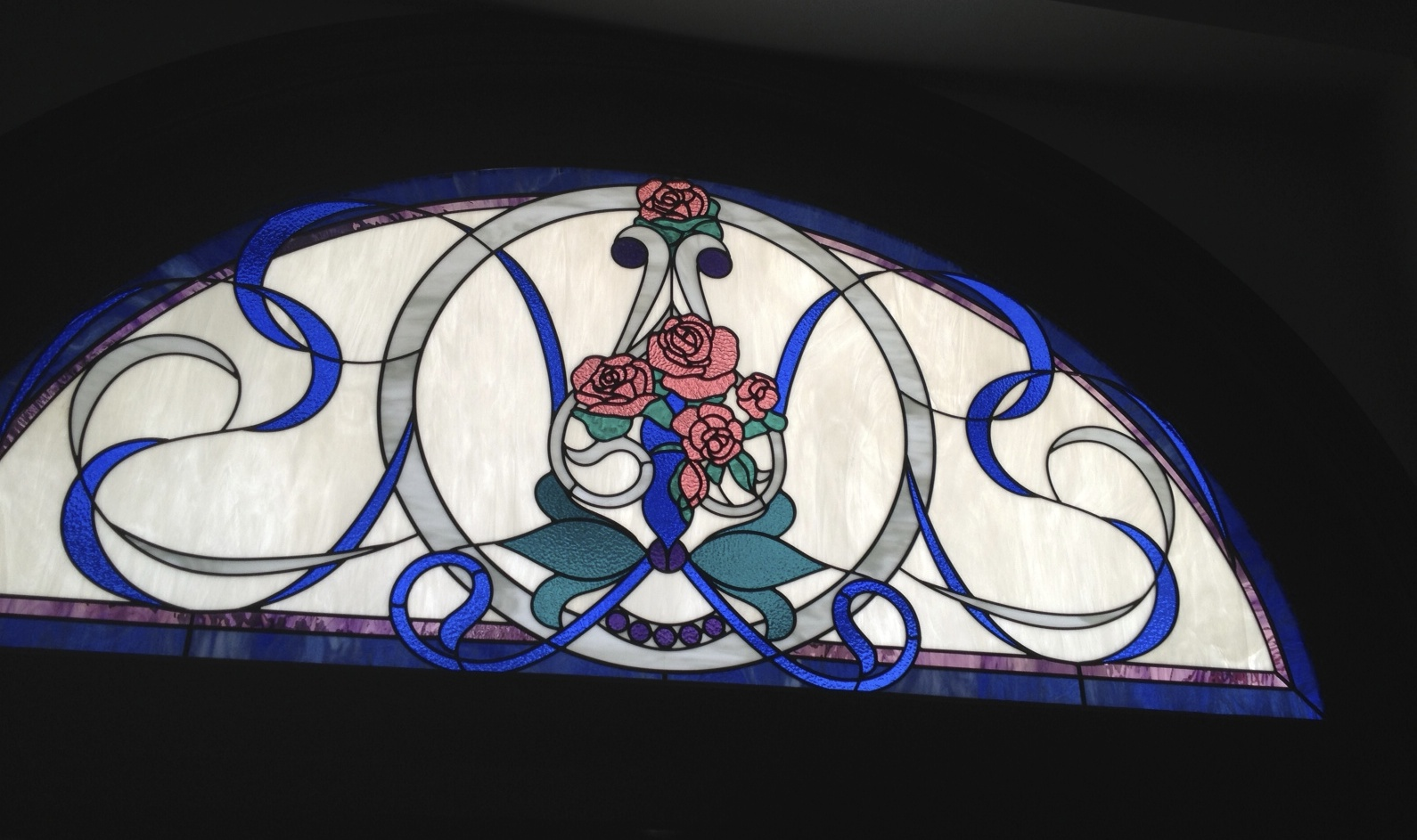 La pizzeria custom transom window studio arts glass for Custom transom windows
